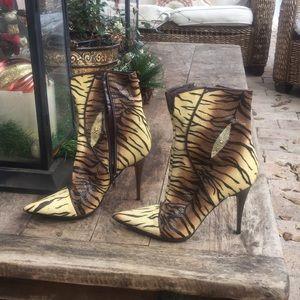 Casadei stingray booties new!!size 8.5